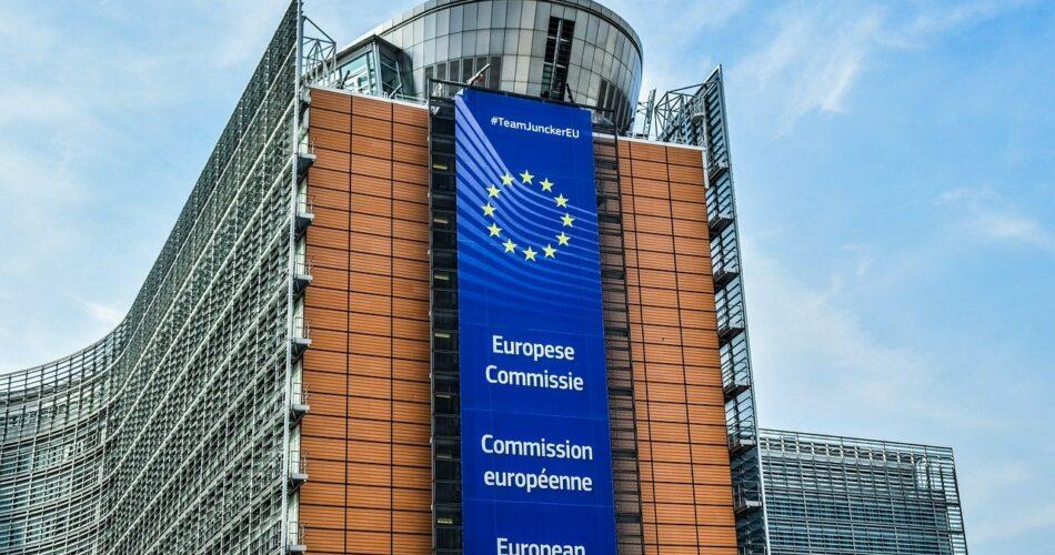 La Grèce reçoit une enveloppe de 21 milliards d'euros de la Commission européenne.